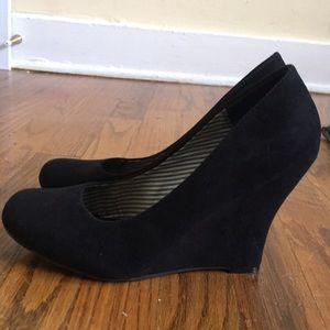 Black velvet heels.